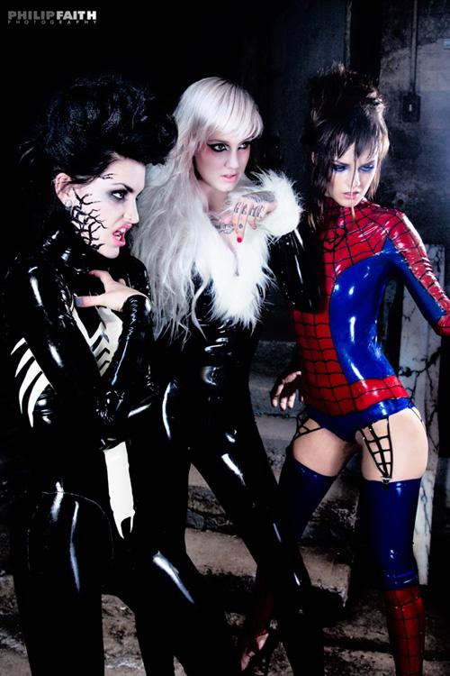 1spider-man-venom-black-cat-cosplay-01