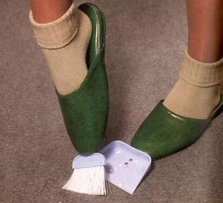 japanese-inventions-shoe-sweeper