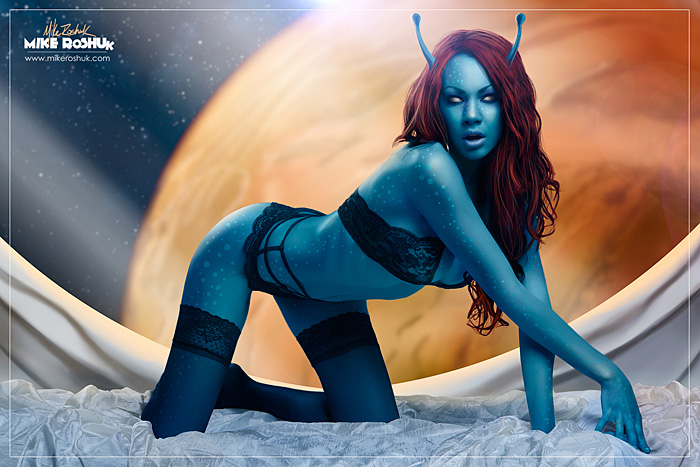 sexy-blue-alien-cosplay-01