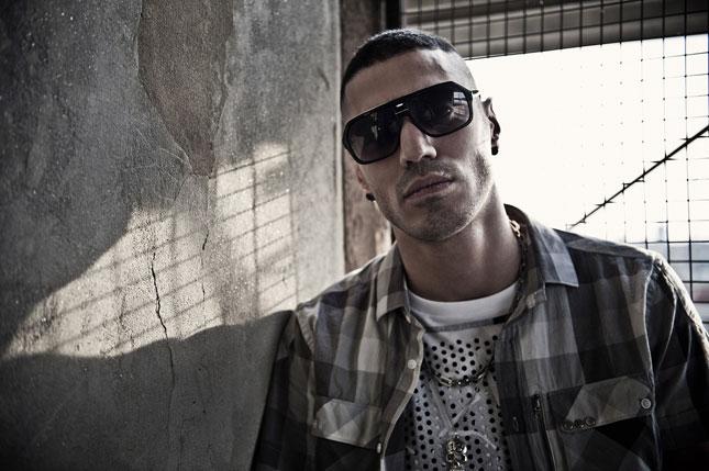 ... rapper italiani Sunglasses dipendenti. 1 di 14. Emis Killa 84d552c2a620