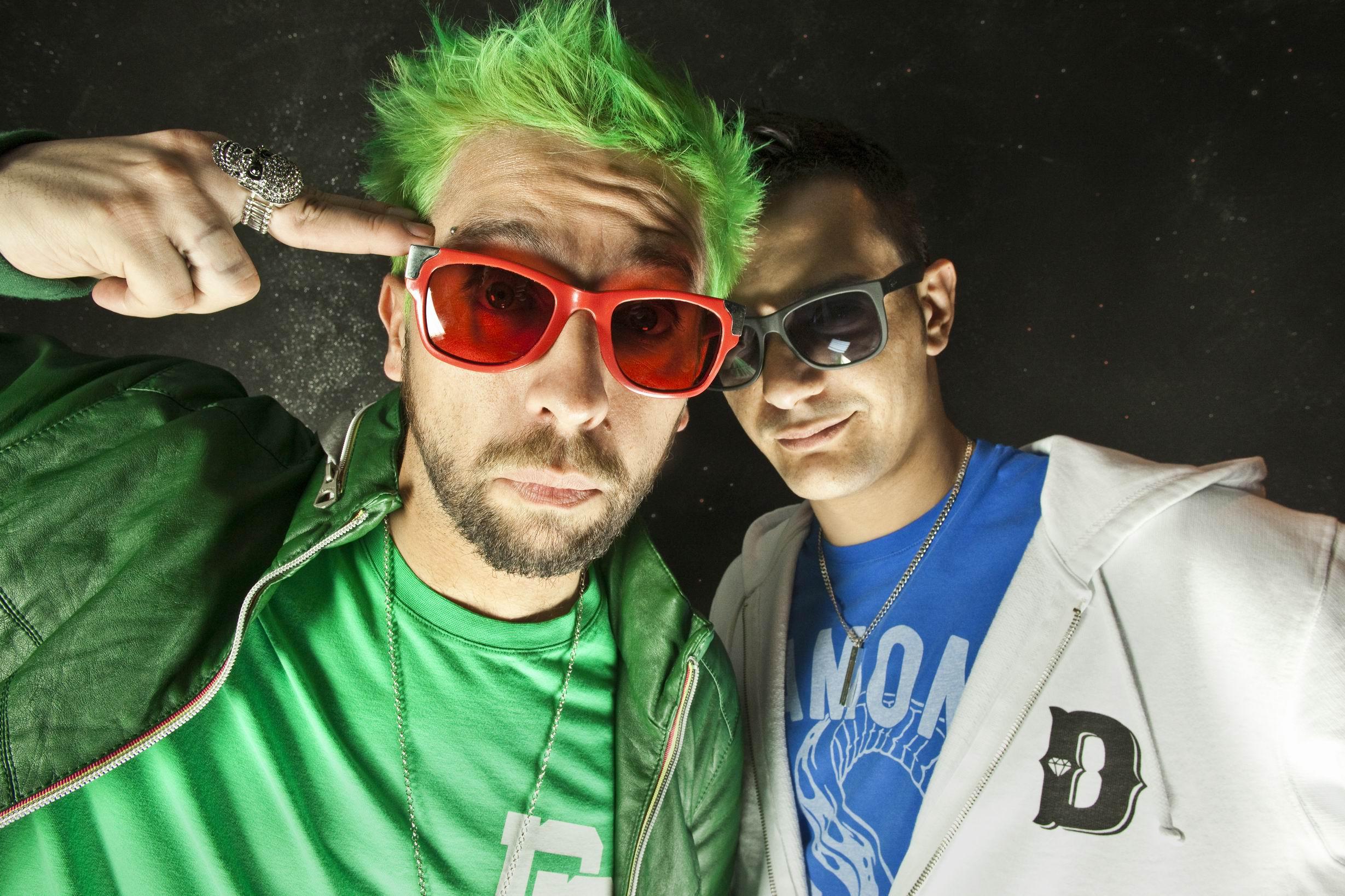 Rapper italiani e la sindrome degli occhiali da sole db53bf95d261