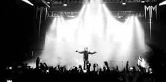 Marilyn Manson in ospedale. Crolla scenografia durante il concerto.