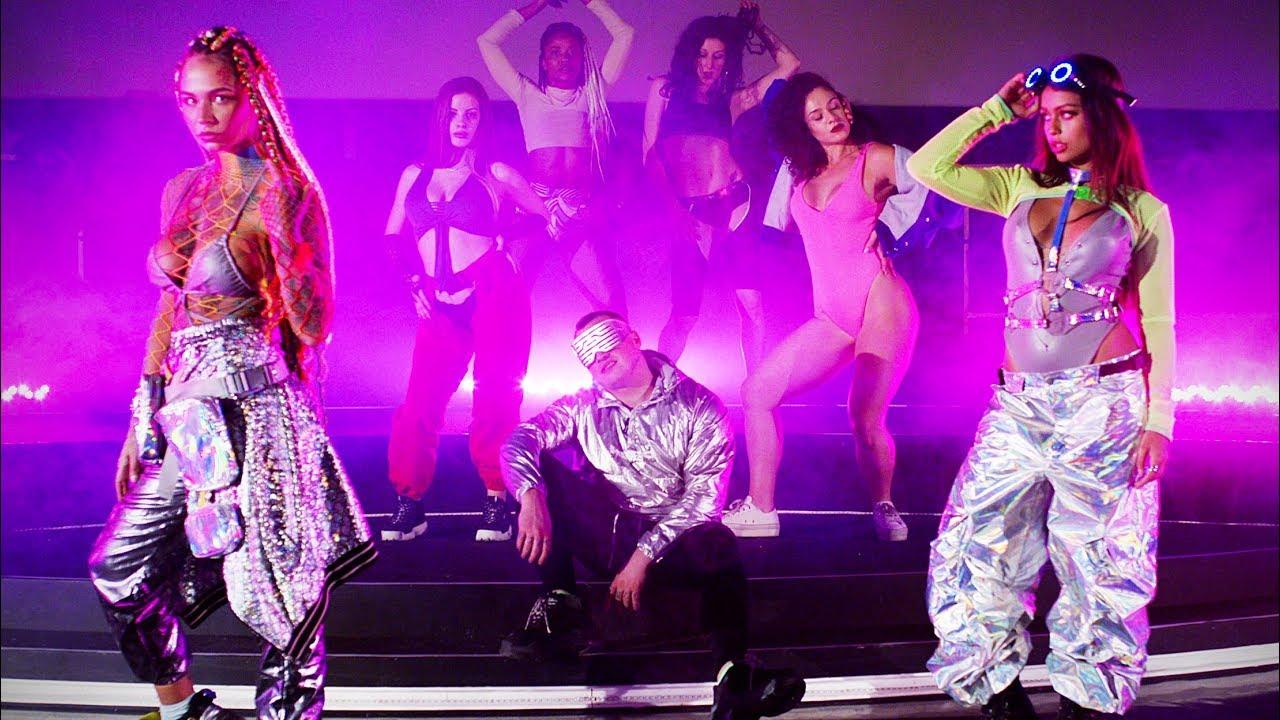 Le BADA$$ B. ballanno il Reggaeton con OG Eastbull