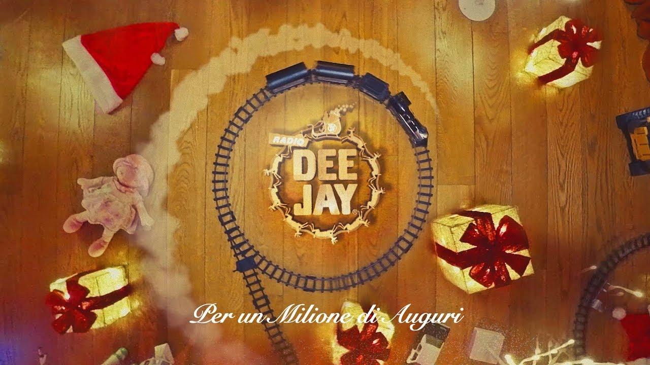 Gemitaiz Buon Natale Testo.Canzone Di Natale Radio Deejay Per Un Milione Di Auguri Testo