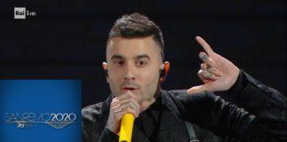 L'esibizione di Junior Cally a Sanremo. Ci ha messo la faccia. (Video)