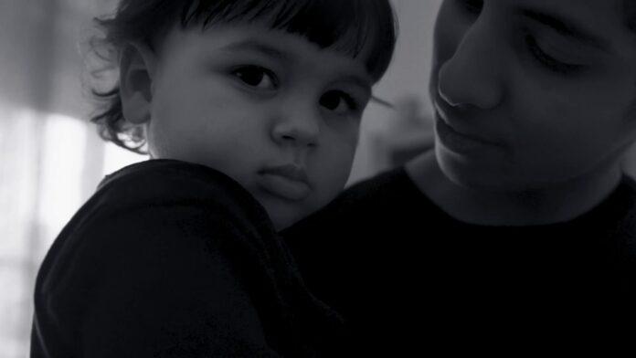 Neima Ezza, online il video del suo nuovo singolo dedicato alla mamma
